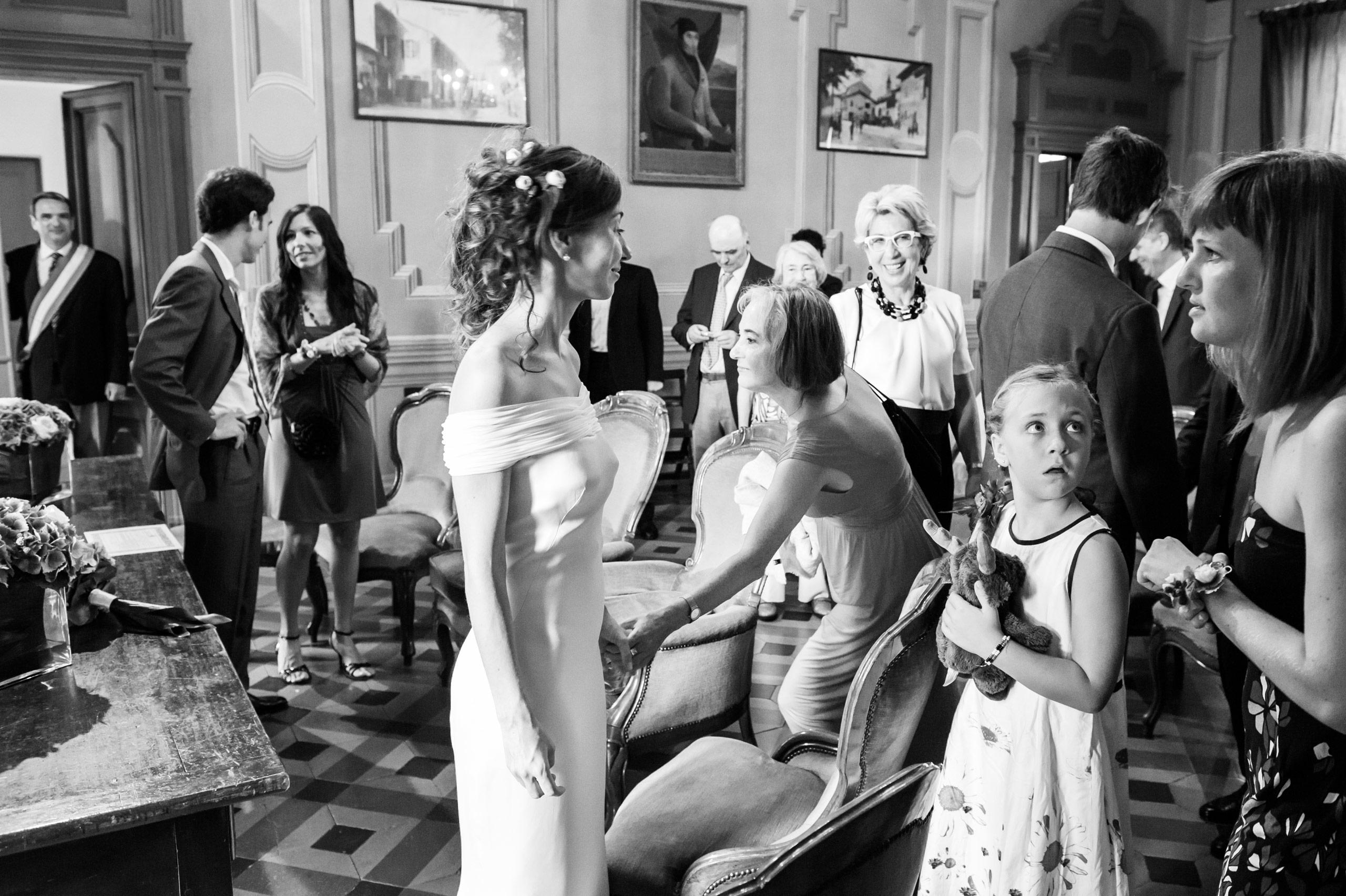 Sposa con vestito bianco
